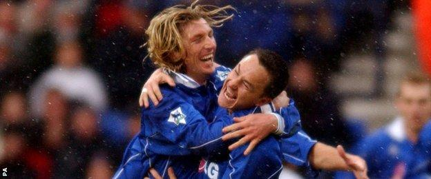Robbie Savage and Dennis Wise celebrate a goal against Bolton on 29 December, 2001