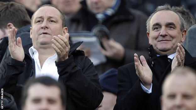 Newcastle owner Mike Ashley (left) with Rangers chief executive Derek Llambias