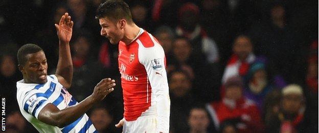 Olivier Giroud (right) sent off for Arsenal