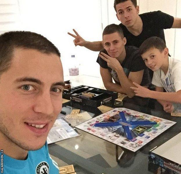 Eden Hazard plays Monopoly with family