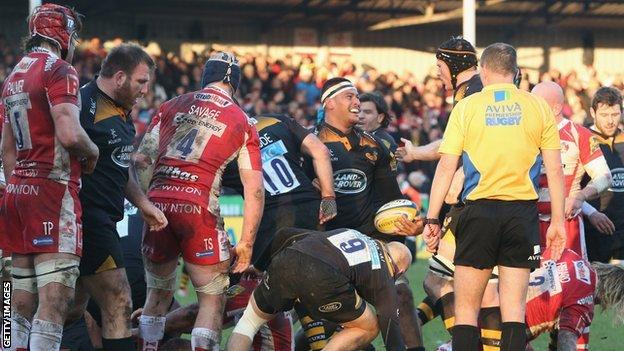 Nathan Hughes scores Wasps' third try of the afternoon against Gloucester at Kingsholm