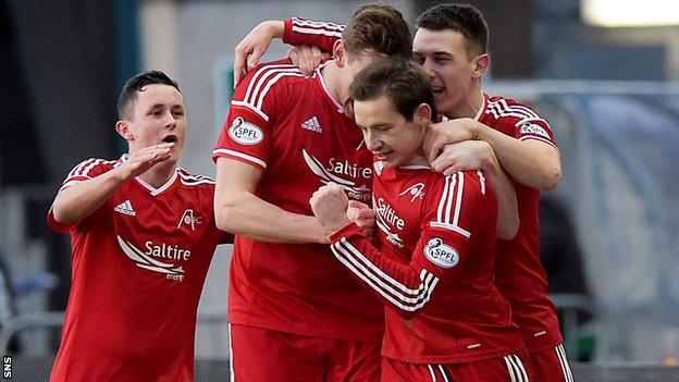 Aberdeen players celebrating