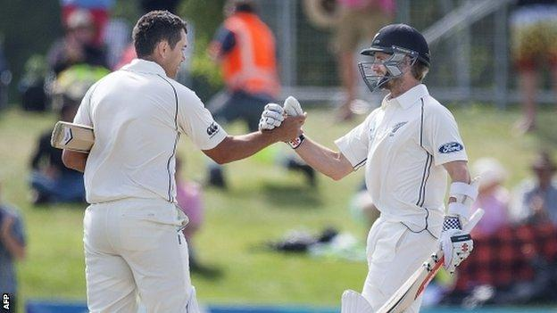 New Zealand's Ross Taylor and Kane Williamson