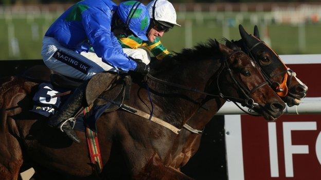 Hurricane Fly and Jezki at Leopardstown