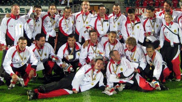 Jersey celebrate gold in Aland in 2009