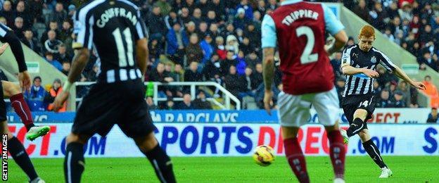 Jack Colback puts Newcastle 2-1 ahead