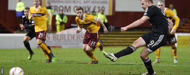 Adam Rooney seals the win for Aberdeen against Motherwell with a late penalty