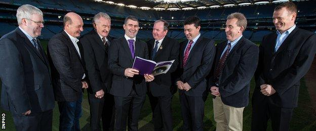 Ed Donnelly, Hurling 2020 Secretary, Terence McNaughton, Pat Henderson, Liam Sheedy, Chairman of the Hurling 2020 Committee, Liam O Neill, President of the GAA, with committee members Paul Flynn, Des Cullinane, and Frank Lohan