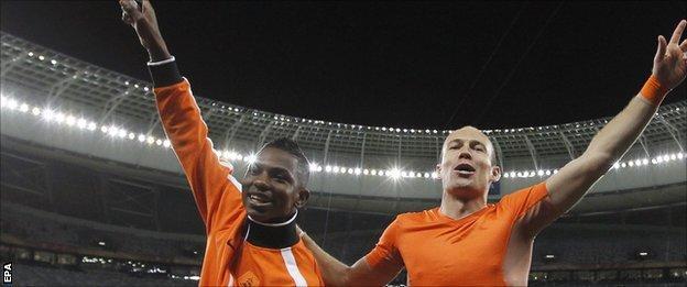 Eljero Elia and Arjen Robben