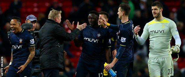Southampton celebrate at Old Trafford
