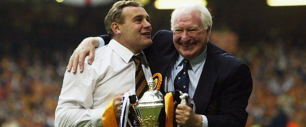 Manager Dave Jones and chairman Sir Jack Hayward celebrate Wolves' promotion to the Premier League in 2003