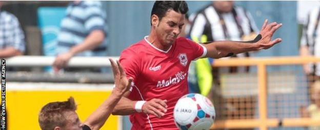 Javi Guerra in rare action for Cardiff City