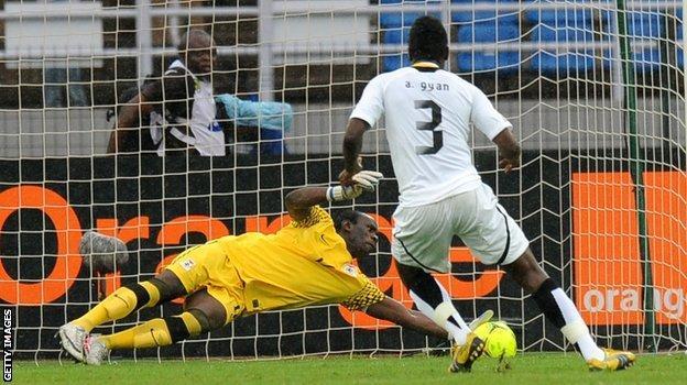 Asamoah Gyan misses that penalty in 2012