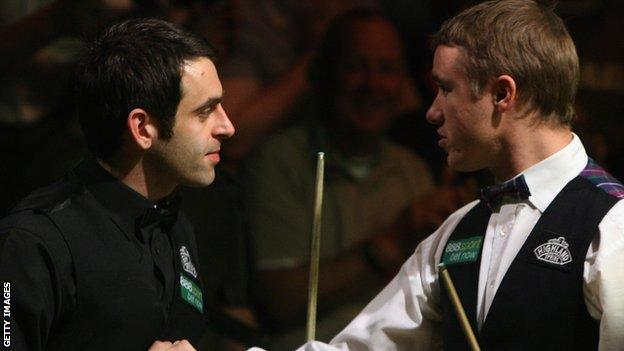 Stephen Hendry (right) and Ronnie O'Sullivan