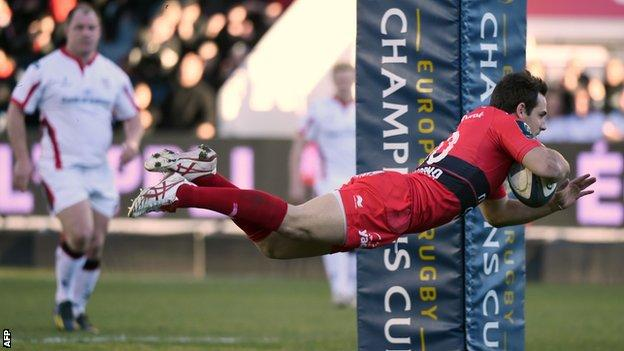 Nicholas Sanchez dives over to score Toulon's first try in Saturday's win over Ulster