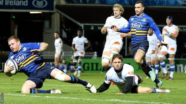 Sean Cronin secured Leinster's bonus-point before half-time by scoring his try