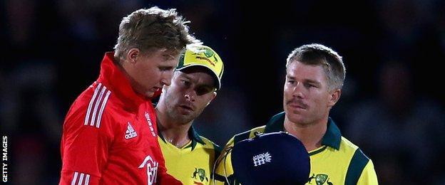 England batsman Joe Root (left) and Australia opener David Warner