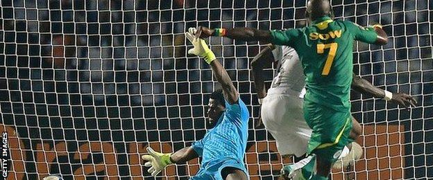 Moussa Sow finally scored the winner with Senegal's 20th shot of the game
