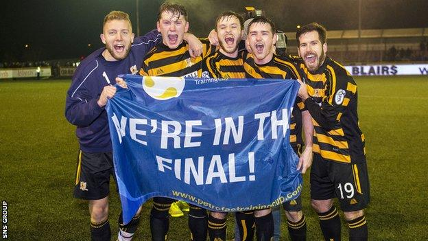 Alloa beat Rangers to reach the final