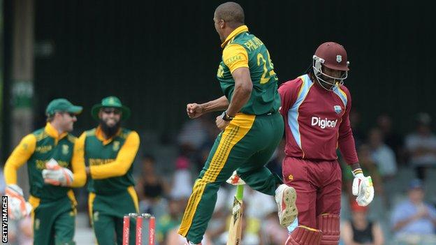 South Africa's Vernon Philander celebrates the dismissal of West Indies' Chris Gayle