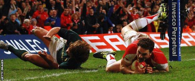 George North scores against South Africa in 2010
