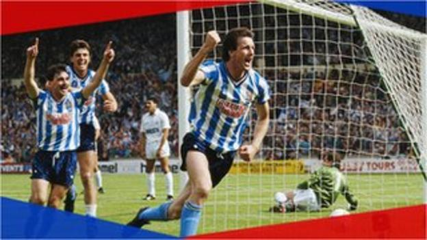 Keith Houchen of Coventry City celebrates scoring in the FA Cup Final