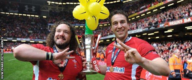 Adam Jones (L) and Ryan Jones (R)
