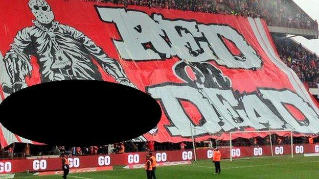 Standard Liege 'Red or Dead' banner