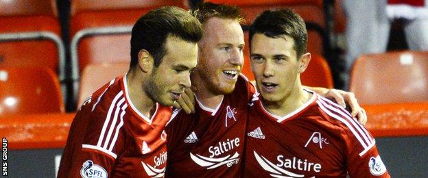 Aberdeen beat Hamilton to reach the last four in the League Cup