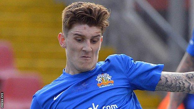 Paddy McNally in action for Glenavon