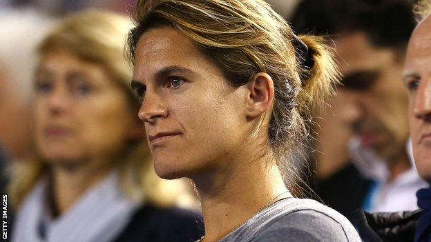 Amelie Mauresmo watches Andy Murray overcome Tomas Berdych in his Australian Open semi-final
