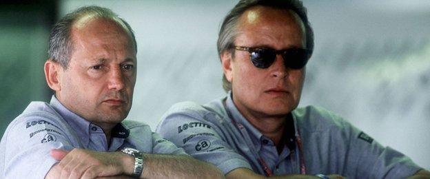 McLaren team Principal Ron Dennis chats to Mansour Ojjeh