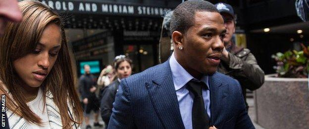 Ray Rice arrives for a hearing with his wife