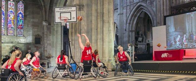 GB players in Worcester Cathedral