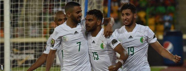 Hilal Soudani celebrates his goal