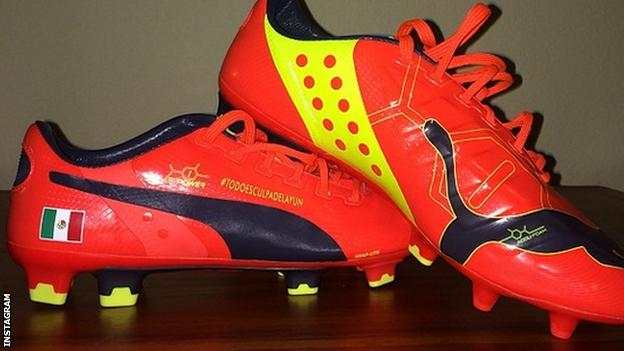 Miguel Layun's football boots