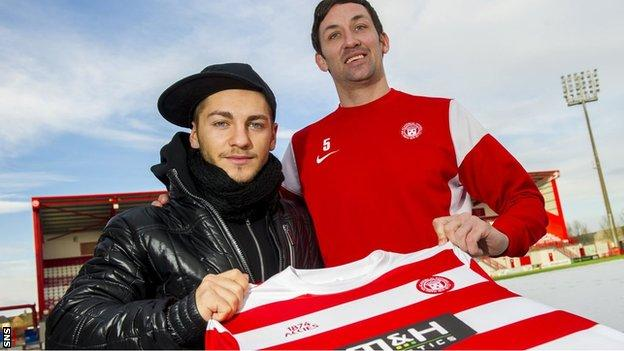 Nico Sumsky and Accies manager Martin Canning