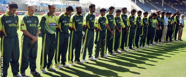 Pakistan players after Bob Woolmer's death