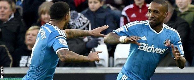 Jermain Defoe scores for Sunderland