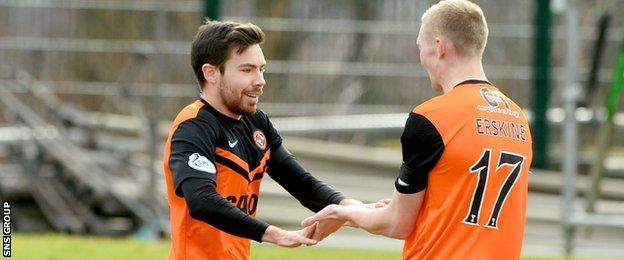 Ryan Dow celebrates with fellow goal-scorer Chris Erskine