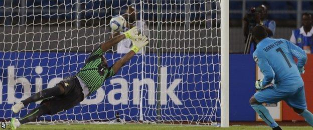 Boubacar Barry scores for Ivory Coast