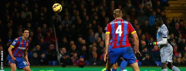 Papiss Cisse heads Newcastle's goal
