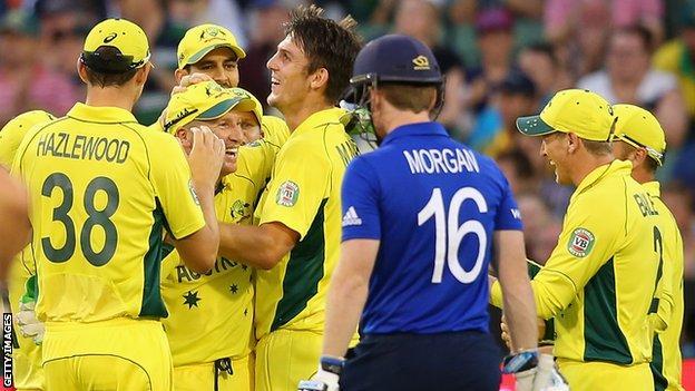 Australia celebrate Eoin Morgan wicket