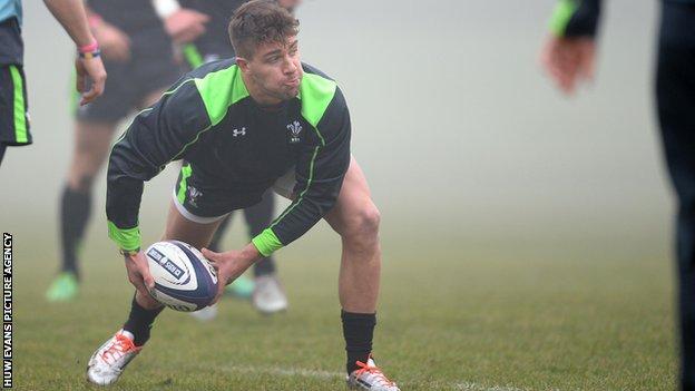 Rhys Webb, Wales