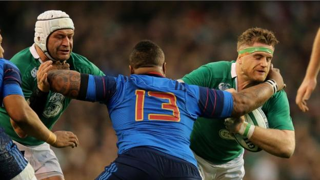 Ireland pair Rory Best and Jamie Heaslip prepare to confront French centre Mathieu Bastareaud