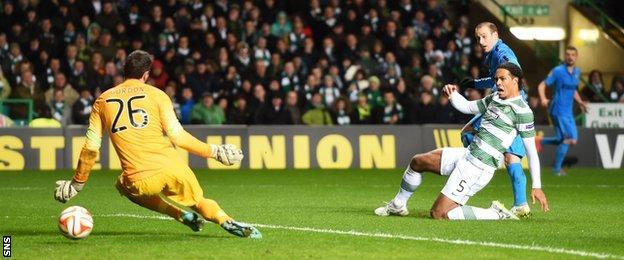 Roland Palacio scores for Inter Milan against Celtic