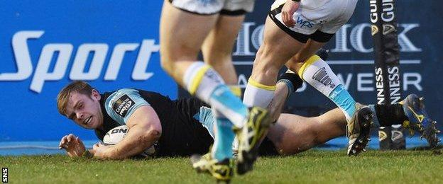 Pat MacArthur scores a try for Glasgow Warriors against Ospreys