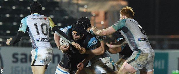 Glasgow Warriors and Ospreys players