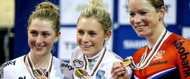 Britain's Laura Trott ( L), winner Annette Edmondson of Australia (C) and second placed Netherlands' Kirsten Wild