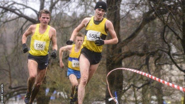 Callum Hawkins leads Andrew Butchart in the men's race